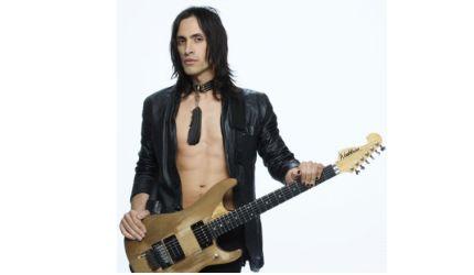 Gitarzysta Nuno Bettencourt w trasie z Rihanną