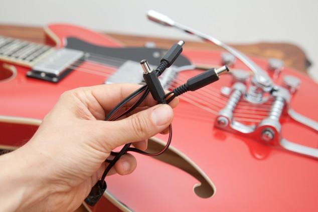 Doktor G sprawdza masę w gitarze