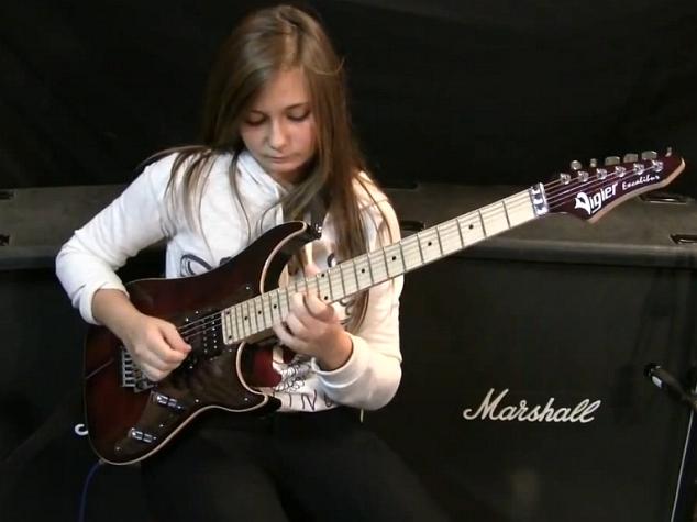 14-letnia gitarzystka gra Paganiniego, Vivaldiego i Van Halena (wideo)