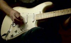 Fender Stratocaster - próbki brzmienia przetworników gitarowych (wideo)