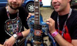 Wylicytuj Woodstockową gitarę dla WOŚP