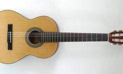 Nowe gitary klasyczne Cort AC100-NAT i AC70-NS