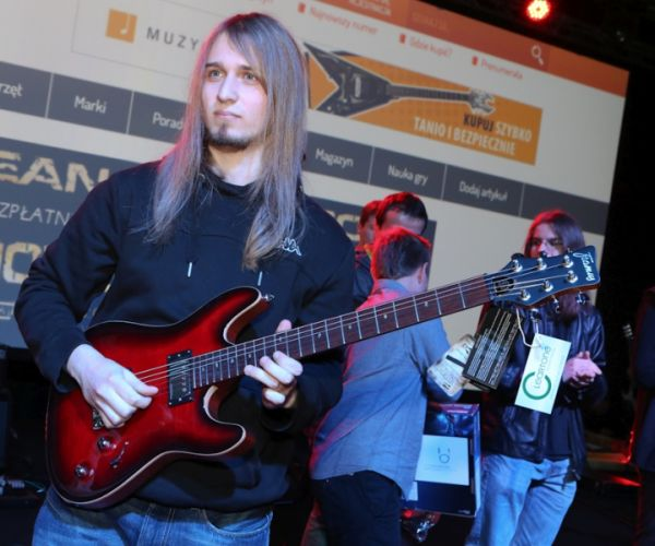 Gitarowy Top 2014 - Adam Przezdziecki z gitarą Framus Diablo Supreme