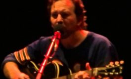"Eddie Vedder (Pearl Jam) i ""Imagine"" Lennona"
