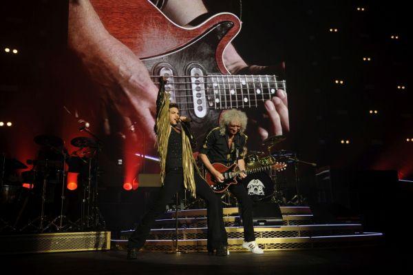 Obejrzyj koncert Queen + Adam Lambert ze sceny