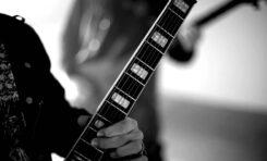 Hagstrom Viking DLX Baritone: metalowe brzmienie