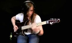 """16-letnia Tina S. gra """"Master of Puppets"""" Metalliki"""