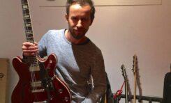 Tomek Dąbrowski z Sorry Boys odwiedził Tomo Guitars