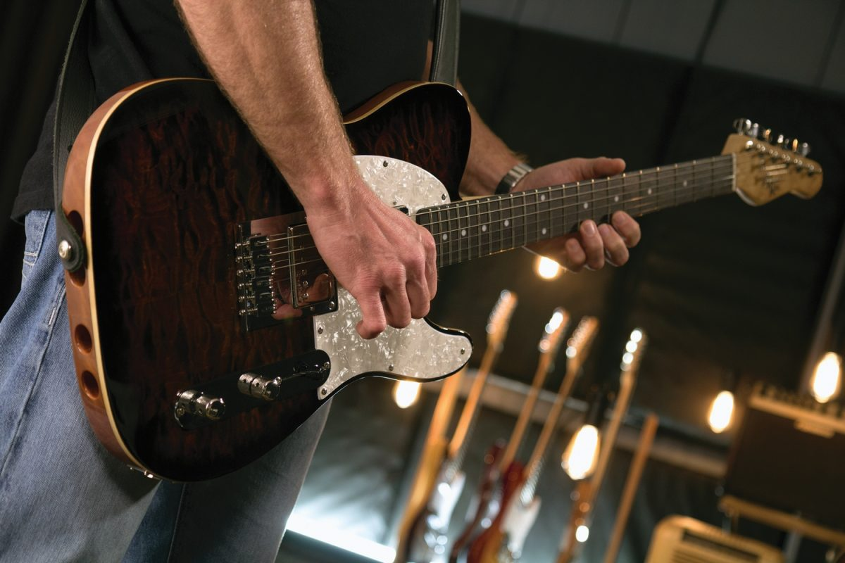 Lekkie gitary od Micheal Kelly