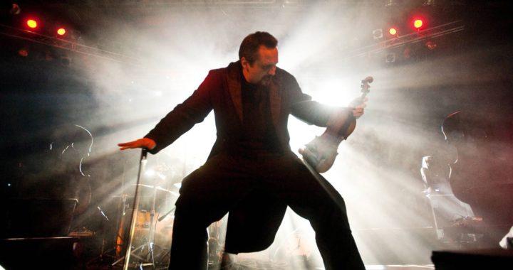 Najbardziej rockowy polski skrzypek zagra na Gitarowym Rekordzie Guinnessa we Wrocławiu!