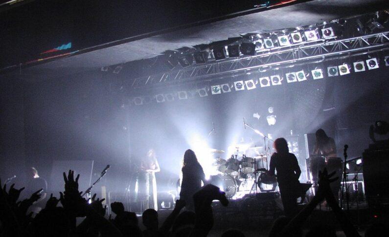 Stodoła zapowiada koncerty Acid Drinkers i Hunter