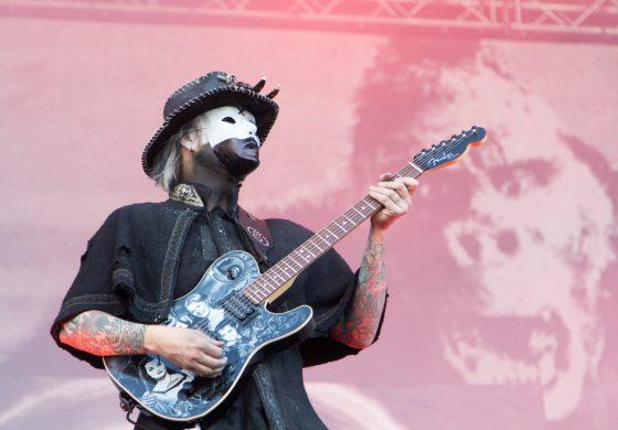 John 5 i gitara Hello Kitty
