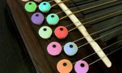 10 kultowych piosenek z wykorzystaniem 12-strunowej gitary