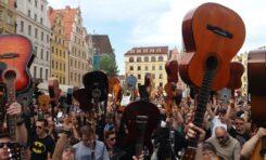 Gitarowy Rekord Guinnessa znowy pobity - brawo Wy!