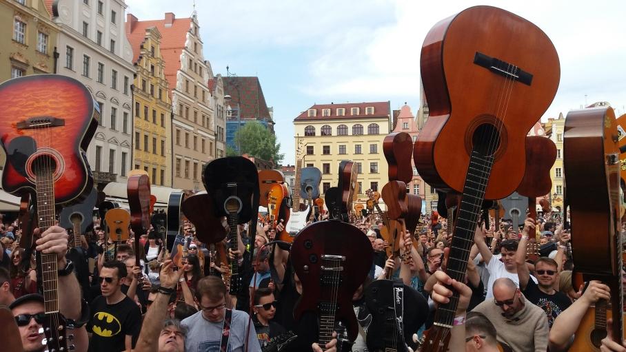 Gitarowy Rekord Guinnessa znowy pobity – brawo Wy!