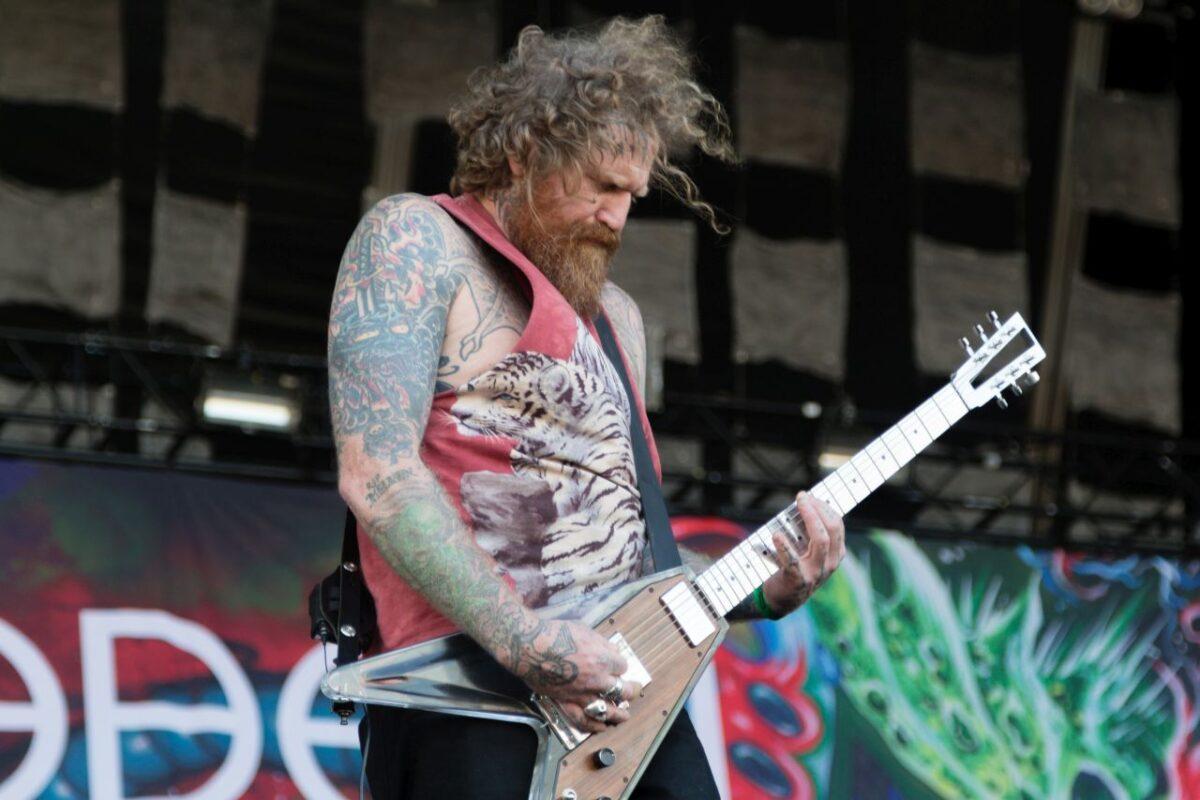 Brent Hinds z Mastodon wyprzedaje instrumenty