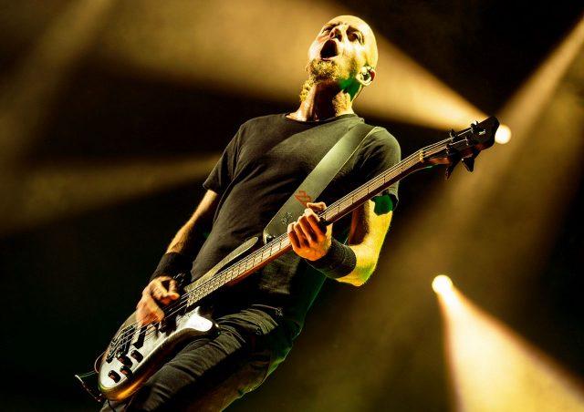 Shavo Odadjian, System of a Down, fot. Greg Waterman sm