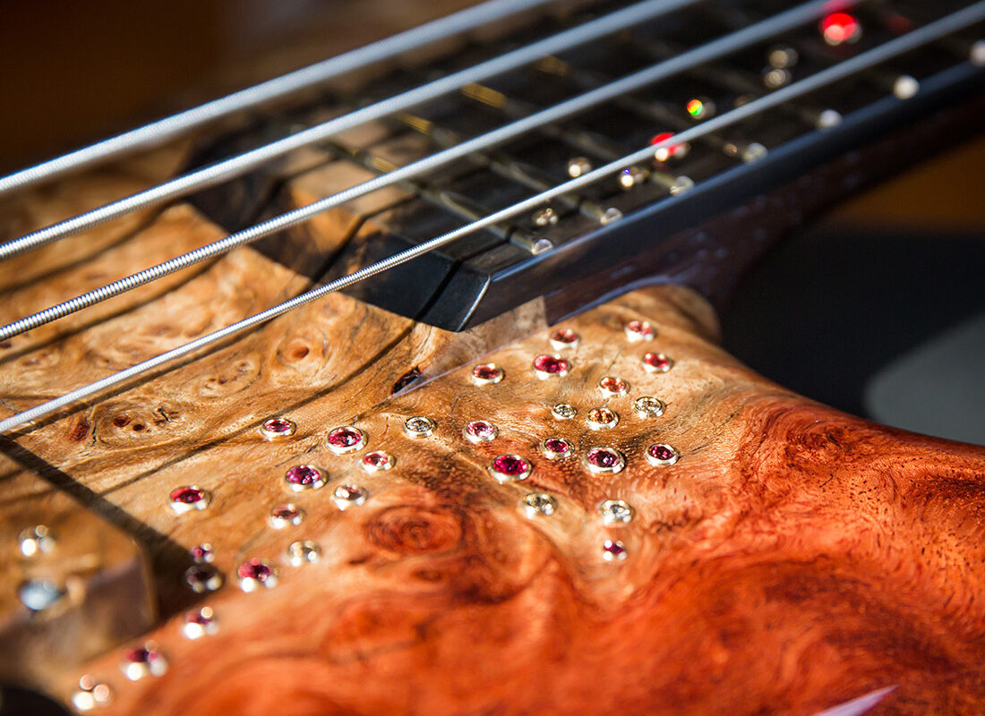Warwick 60th Anniversary Thumb Bass – unikat na urodziny