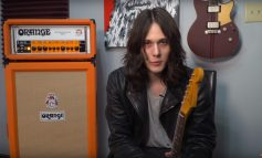 Tyler Bryant i Orange Rockerverb 100 MKIII