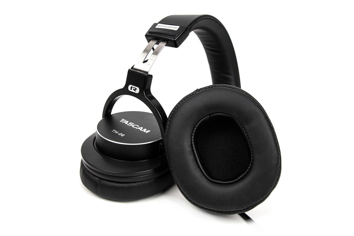 TASCAM TH-06 Bass XL