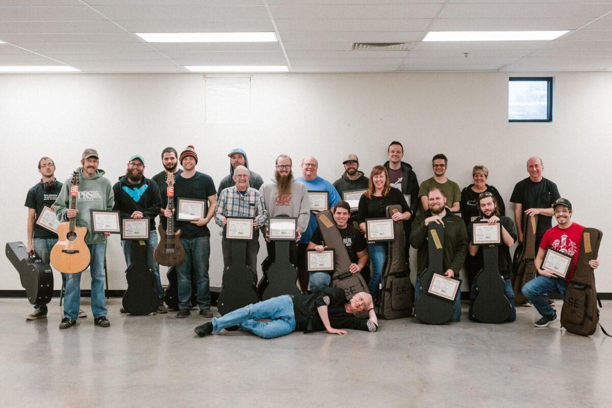 PRS Guitars nagradza swych pracowników