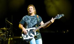Michael Anthony Sobolewski - basista Van Halen, Chickenfoot i The Circle