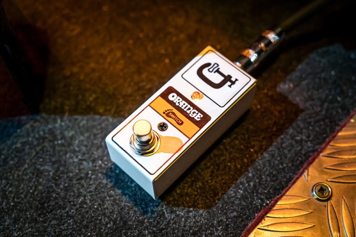 Orange FS1 Mini – uniwersalny footswitch