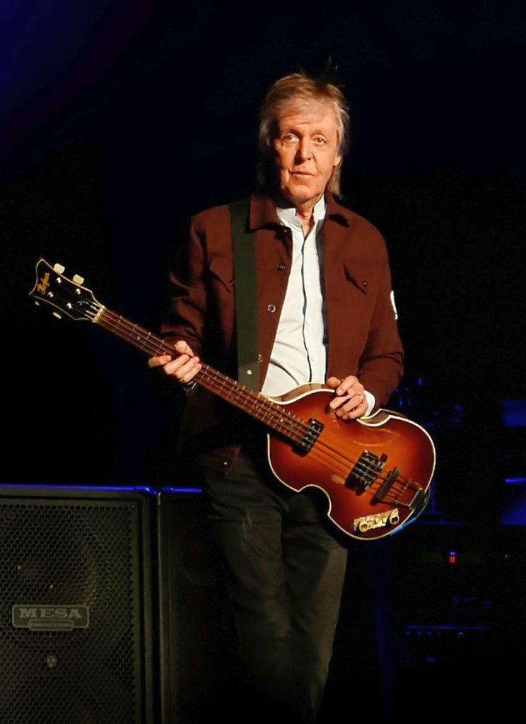 Paul McCartney i Hofner Violin 500/1