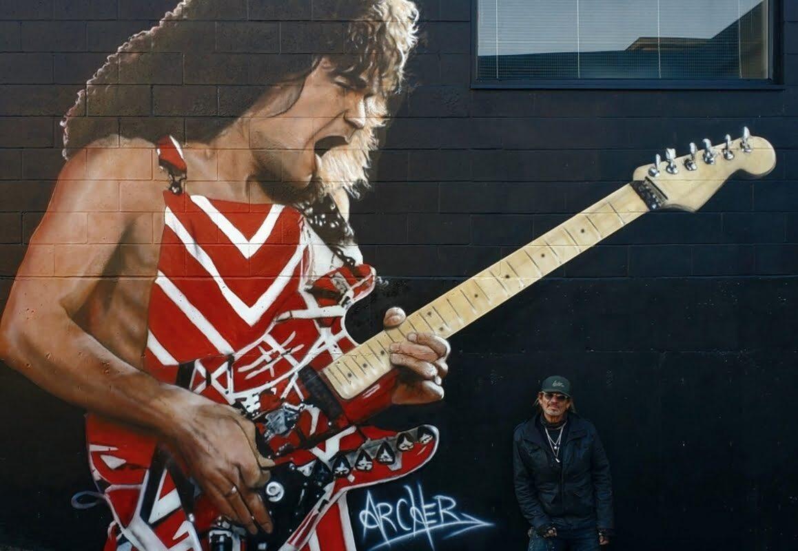 Pierwszy pośmiertny mural Eddiego Van Halena