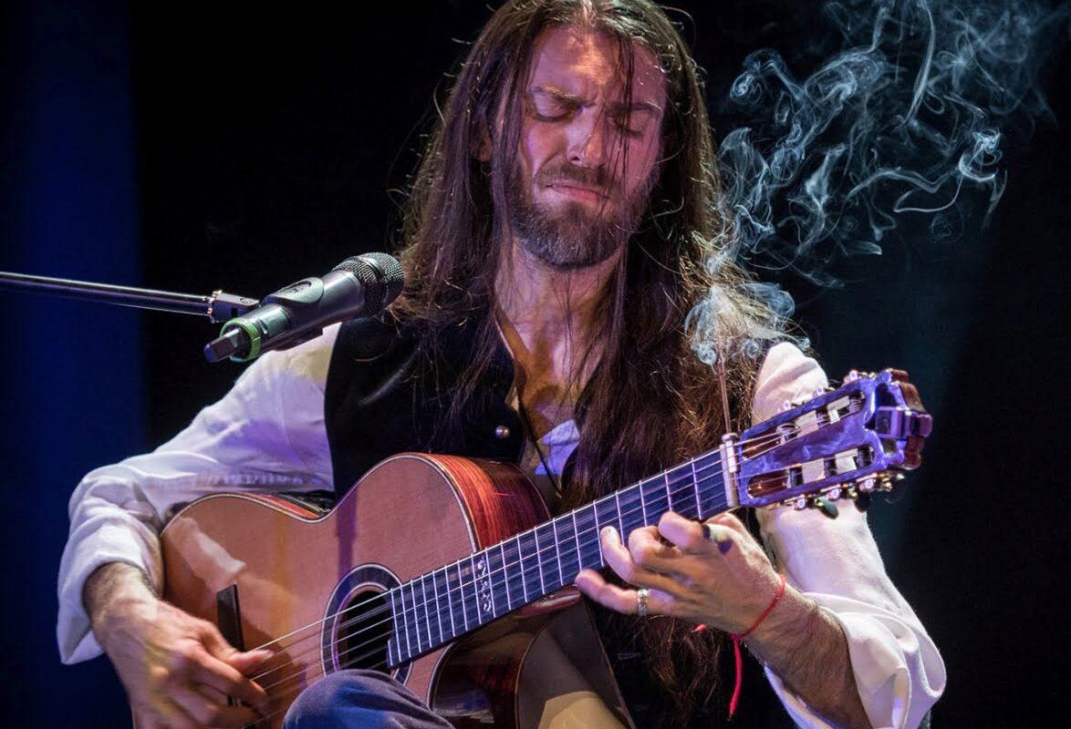 Estas Tonne – odwzajemniona miłość do gitary
