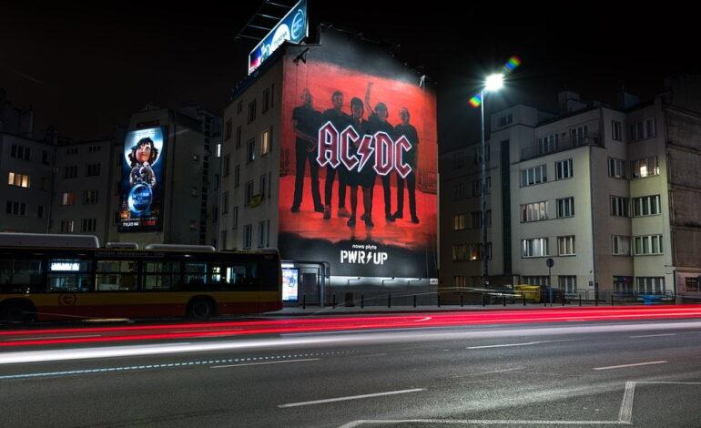 """AC/DC """"Power Up"""" - pierwszy mural w Polsce"""