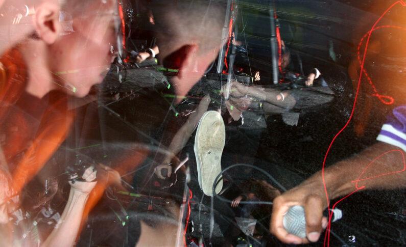 Muzycy, którzy wylecieli z mocno imprezujących zespołów za... imprezowanie