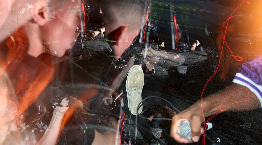 Muzycy, którzy wylecieli z mocno imprezujących zespołów za… imprezowanie
