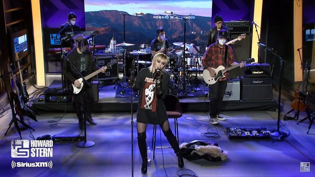 Miley Cyrus u Howarda Sterna, fot. YouTube