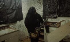"""Tetrarch z gitarami ESP w teledysku do """"You Never Listened"""""""