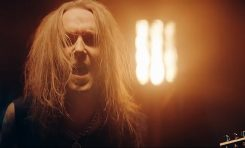 "Alexi Laiho w teledysku ""Paint The Sky With Blood"" Bodom After Midnight"