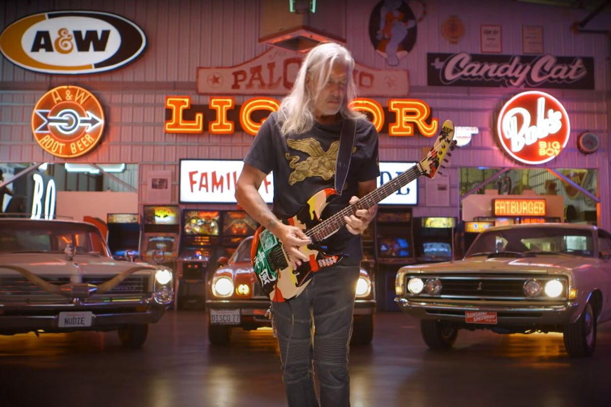 George Lynch o tym jak powstała gitara ESP Kamikaze