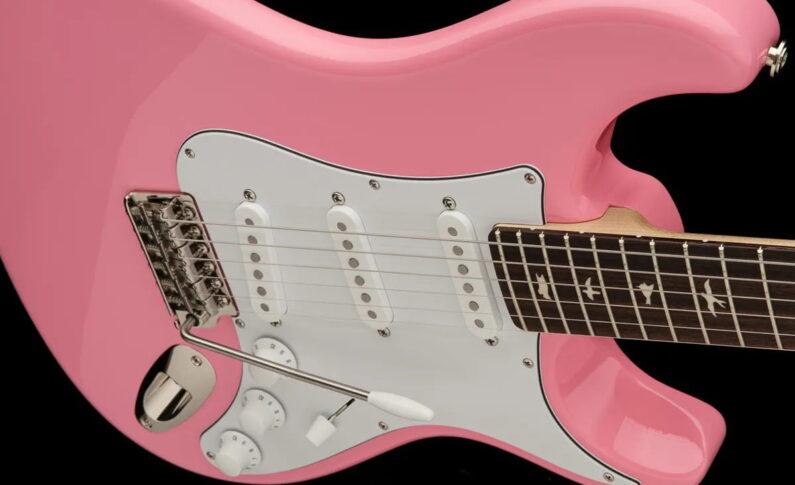 PRS prezentuje gitarę Silver Sky w wykończeniu Roxy Pink