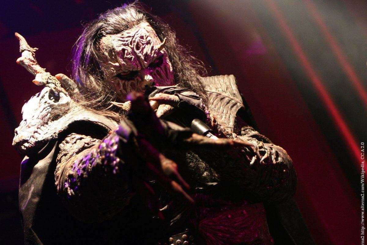 Mr. Lordi poddał się szczepieniu na Covid. Zrobił to w pełnym rynsztunku…