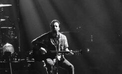 """""""Long Way"""" - nowy singiel Eddiego Veddera. To pierwsza zapowiedź solowej płyty."""
