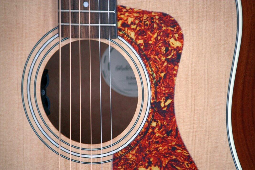 Guild D-240 E NAT – gitara z charakterem (test)