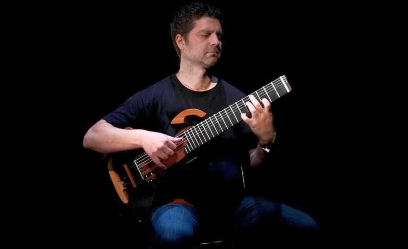 Giorgos Tabakis i nowe oblicze ośmiostrunowej gitary