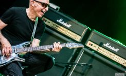 """Joe Satriani """"Surfing With The Alien"""" - w rocznicę wydania przypominamy tę przełomową płytę"""