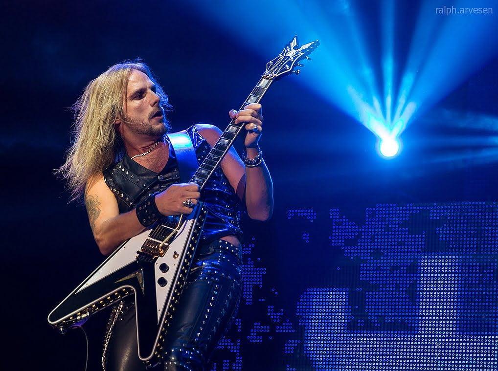 """Doktor, który operował gitarzystę Judas Priest: """"Pan Faulkner żyje dzięki koincydencji gwiazd…"""""""