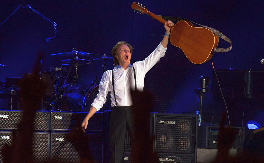 """Paul McCartney powiedział, że Rolling Stones to tylko """"coverowy zespół bluesowy"""""""