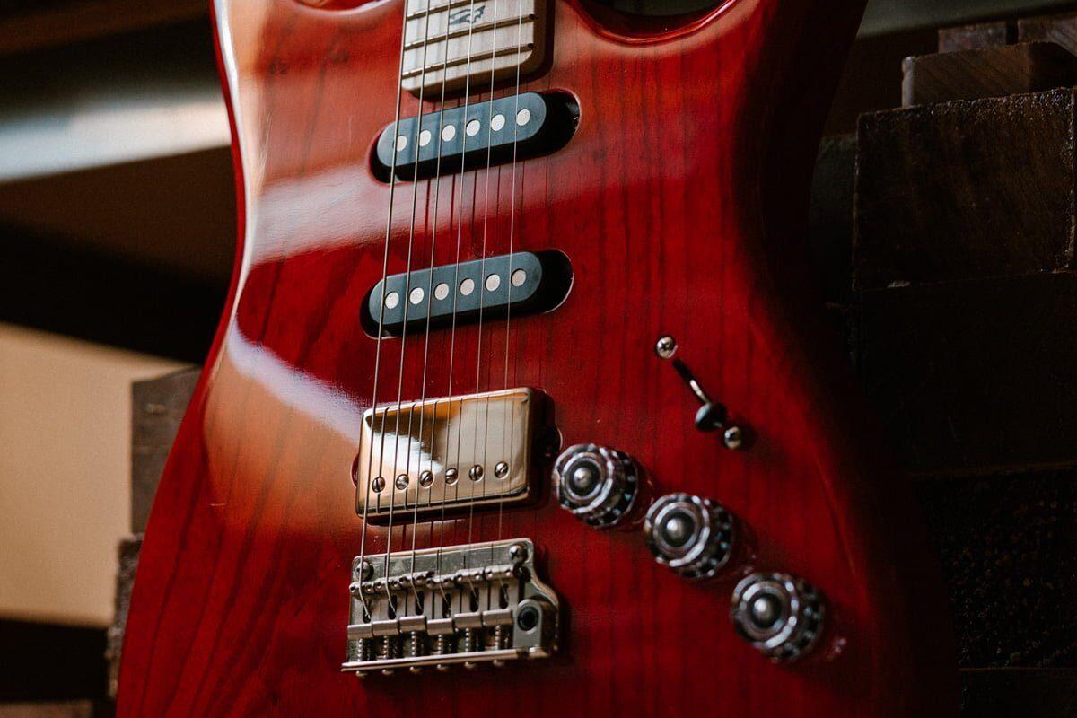 Wszystkie oblicza gitary PRS Fiore (wideo)